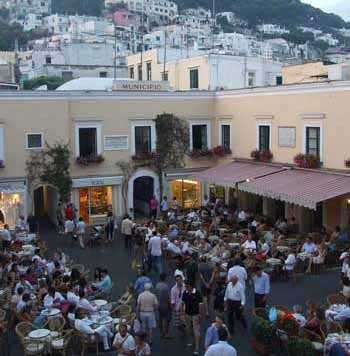 Early evening in the Piazzetta, Capri