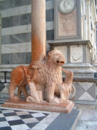 Guarding the entrance to Santa Maria Maggiore