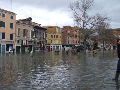 Extremely rare floods in Campo Santa Margherita, 1st December 2008