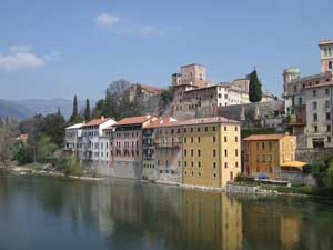Bassano del grappa tourist travel guide from italy heaven for Arredamento bassano del grappa
