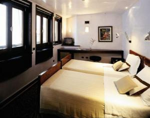 Style design hotels in venice hip places to stay for Design hotel venezia